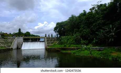 sluice on the dam