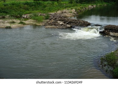 Small barrage dams for water