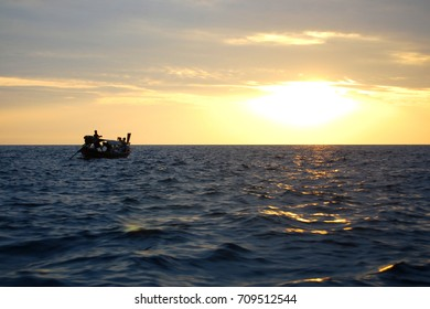 Small boats are going back to shore. After traveling all day.