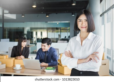 Small business entrepreneur SME freelance asian team man woman working box, Asian small business owner home office, online telemarketing delivery box, SME teamwork e-commerce moving house concept
