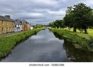 small canal navigable, river barges to runoff, Scotland