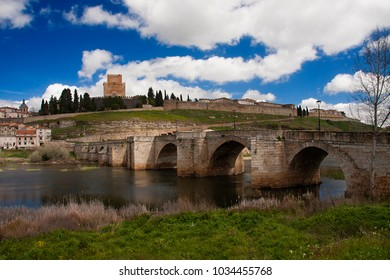 small castle of ciudad rodrigo, as can be seen from the other side of the tormes river