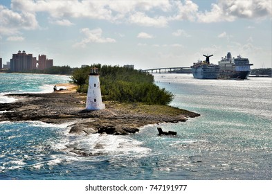 Small and charming lighthouse at the entrance of the port of Nassau - Bahamas.