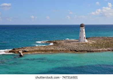 Small and charming lighthouse at the entrance of the port of Nassau - Bahamas