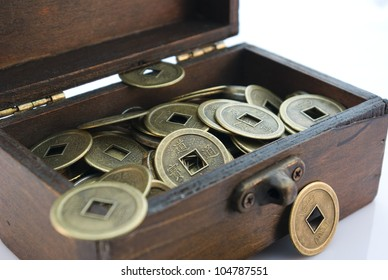 Small chest with chinese lucky coins
