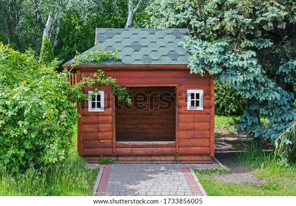 small-childrens-wooden-playhouse-among-6