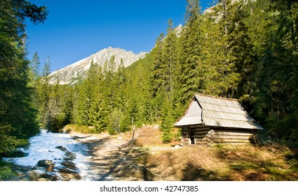 Small cottage in a polish Tatra mountains in  Roztoka valley