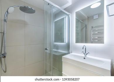 Small cozy bathroom in apartament