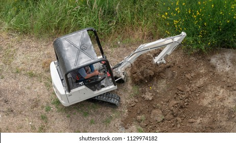 Bobcat Equipment Images Stock Photos Vectors Shutterstock