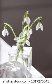 A small, fragrant bouquet of white snowdrops.