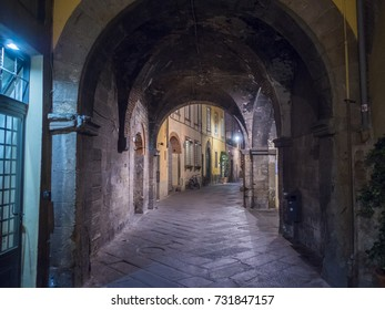 Small lanes in the historic medieval city of Lucca - LUCCA / TUSCANY ITALY, SEPTEMBER 13, 2017
