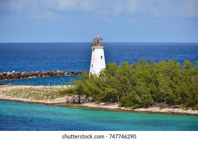 Small lighthouse at the entrance of Nassau harbor - Bahamas