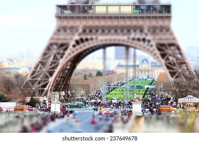 Small Paris. Field of Mars, captured with a small depth of field. Tilt shift effect