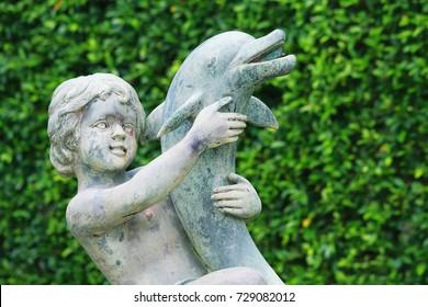 Small stone angel
