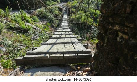 small suspension bridge yaw to ghandruk