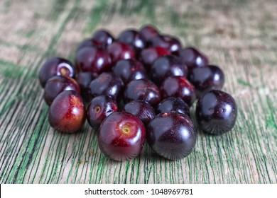 small sweet capulin cherries in Ecuador