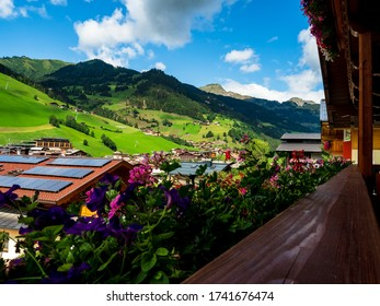 Small village, hotels and chalets, all in colors. Beautiful terraces and solar panels on the roofs. The proximity of civilization and pure nature. Grossarl.
