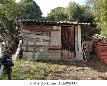 small wooden derelict hut - barn / image