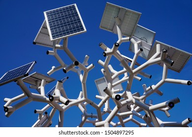 Smart charging solar panels tree. The tree uses energy stored by the solar panels to provide USB charging outlets for smartphones and tablets, free Wi-Fi, nighttime lighting .Detail of the stucture.