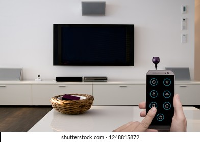 Smart Home Entertainment controlled by smartphone app