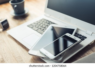 smart phone on the table with nobody, concept of working at home