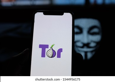 Smart phone with the TOR logo. Tor is the acronym for The Onion Router (in Spanish: The Onion Rúter), it is a hidden web browser. U.S. California. Tuesday, October 29, 2019