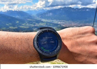 Smart watch with alti-barometer in The Alps