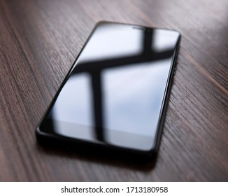 smartphone with a glare screen