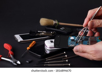 Smartphone repair and assistance center