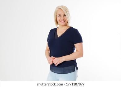 Lächeln Sie eine Frau mittleren Alters auf weißem Hintergrund.