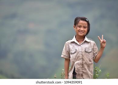 Smiles from poor Vietnamese children