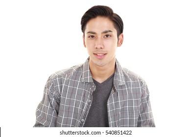 Lächelnder asiatischer Mann