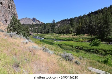 Smith Rock State Park and Crooked River near town of Terrebonne, Oregon on cloudless summer day.