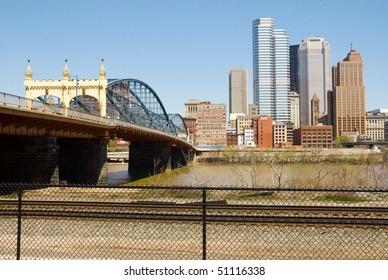 Smithfield Street Bridge and Pittsburgh skyline