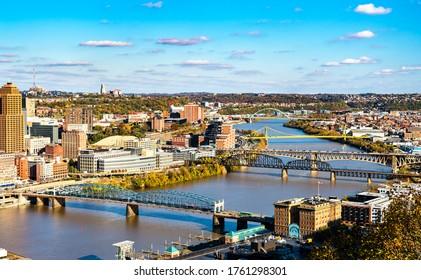 Smithfield Street, Panhandle, Liberty, South Tenth Street and Birmingham Bridges across the Monongahela River in Pittsburgh - Pennsylvania, United States