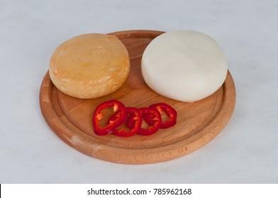 Smoked and fresh cheese