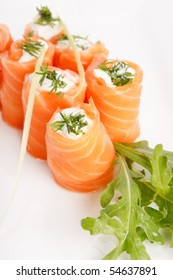 Smoked salmon rolls with cream cheese