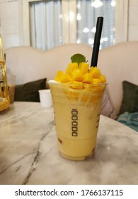 Mango smoothie is a drink for health loves because it contains a mixture of fresh fruits that are low in colories