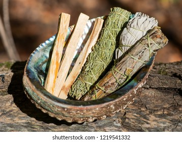 Smudge kit - Palo Santo sticks, Wildcrafted dried white sage (Salvia apiana), Mugwort (Artemisia vulgaris), and Siskiyou Cedar (Chamaecyparis lawsoniana) wrapped in organic hemp twine, Abalone shell.