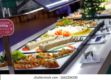 Snacks and tasty morsels in a rich buffet