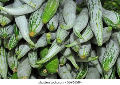 snake gourd sell in the markets
