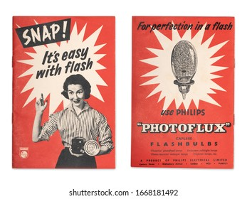 SNAP! IT'S EASY WITH FLASH 1950s Philips Early Flash Photography Guide come Advertisement Plymouth Devon UK March 9th 2020 Promoting Photoflux Photolita Photoflood Photocrescento Projector Lamps Bulbs
