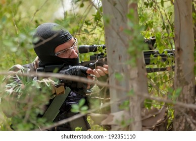 Sniper ambush, waiting for the purpose, the military conflict