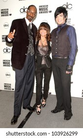 Snoop Dogg with Paula Abdul and Adam Lambert at the 2009 American Music Awards Nomination Announcements. Beverly Hills Hotel, Beverly Hills, CA. 10-13-09