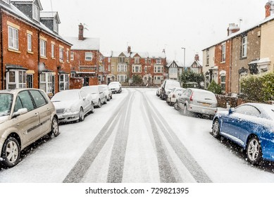 Snow covers England streets
