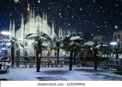 Snow falling in Milano (Italy)