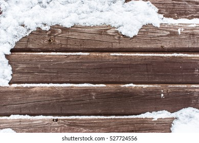 Snow on the wood