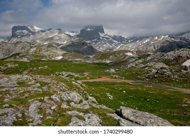 Snow still lies in the gullies of the high peaks of the Picos de Europa above Fuente DŽ, Cantabria, Spain.