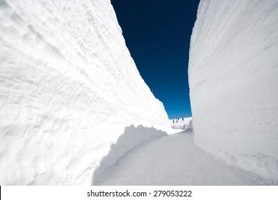 Snow wall at Kurobe alpine in Japan