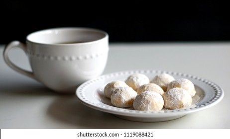 Snow White Cookies or Puteri Salju and a cup of tea.